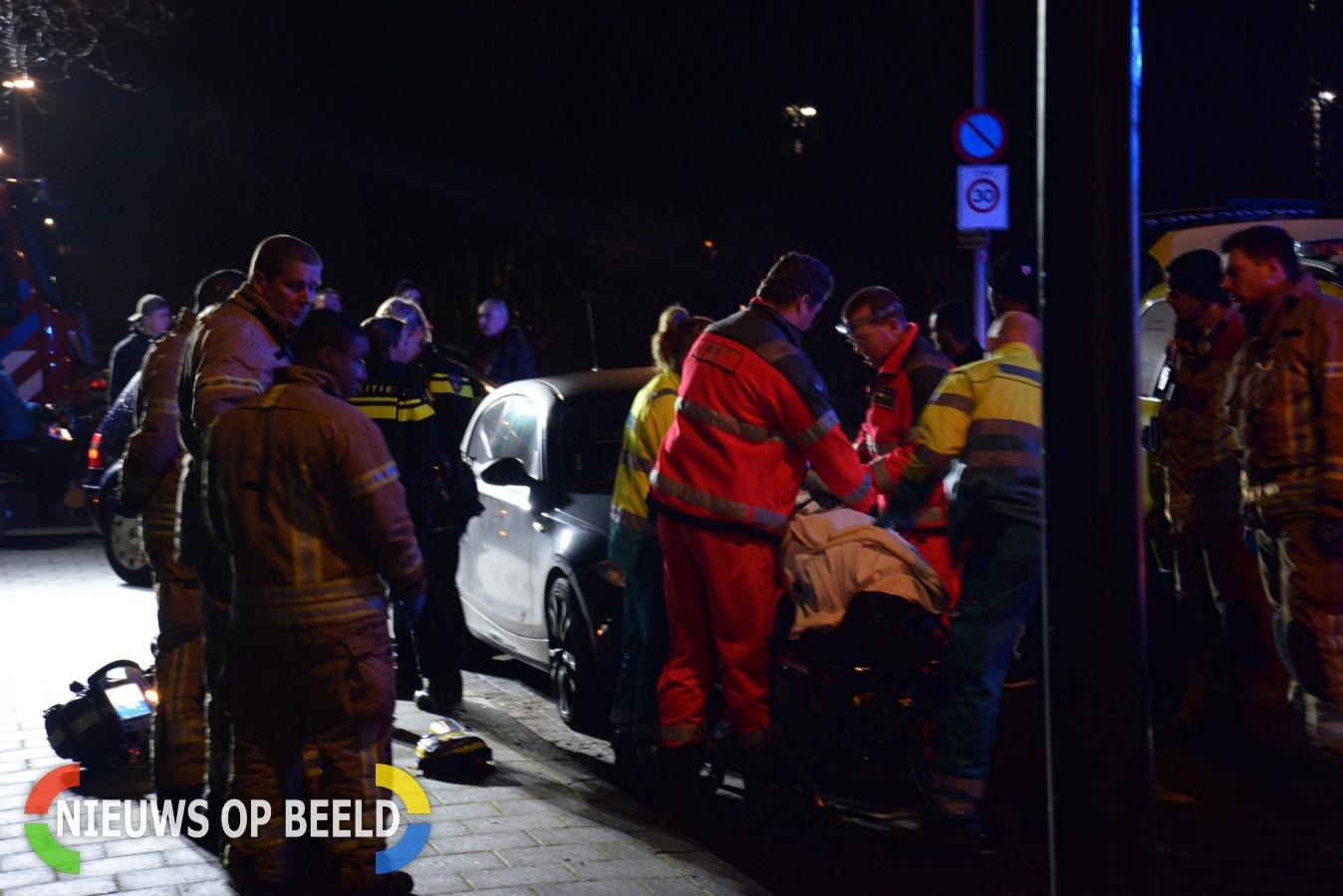 Diverse hulpdiensten rukken uit voor medische noodsituatie Smeetlandseweg Rotterdam