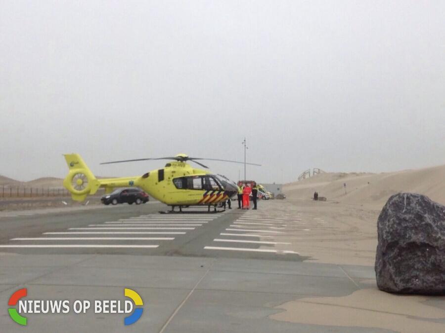 Kitesurfer gewond geraakt aan rug Maasvlaktestrand
