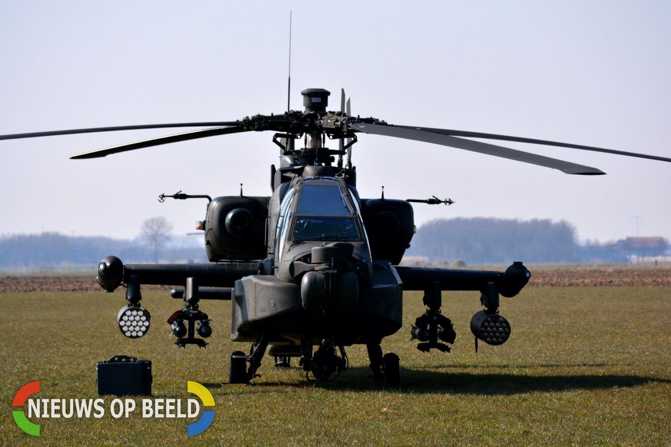 Apache-gevechtshelikoper maakt voorzorgslanding in weiland Babyloniënbroek