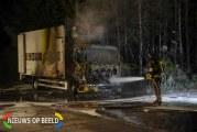Vrachtwagen brand volledig uit Albrandswaardsedijk Poortugaal