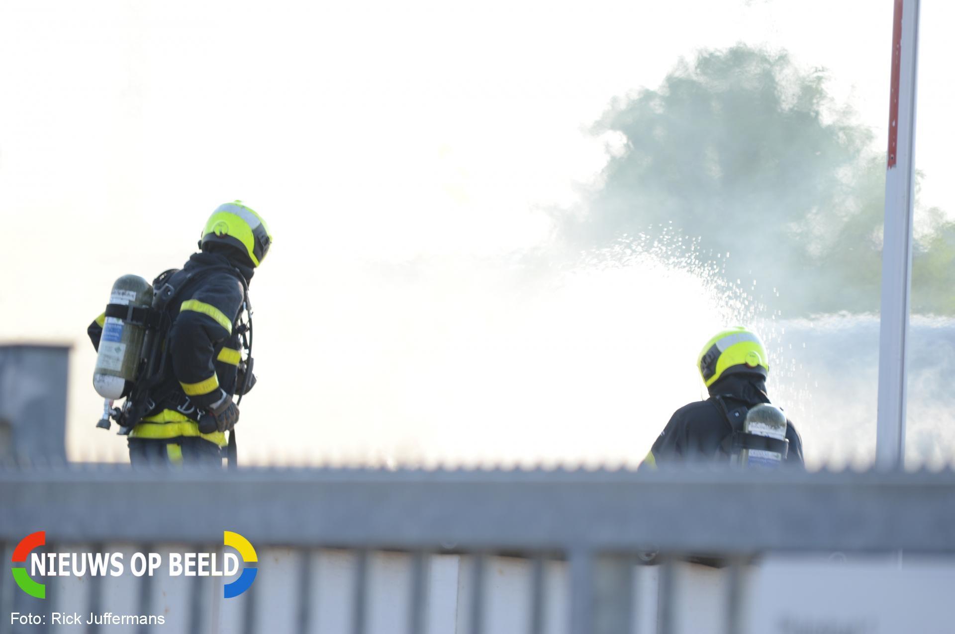 Veel overlast bij flinke containerbrand Plutostraat Den Haag