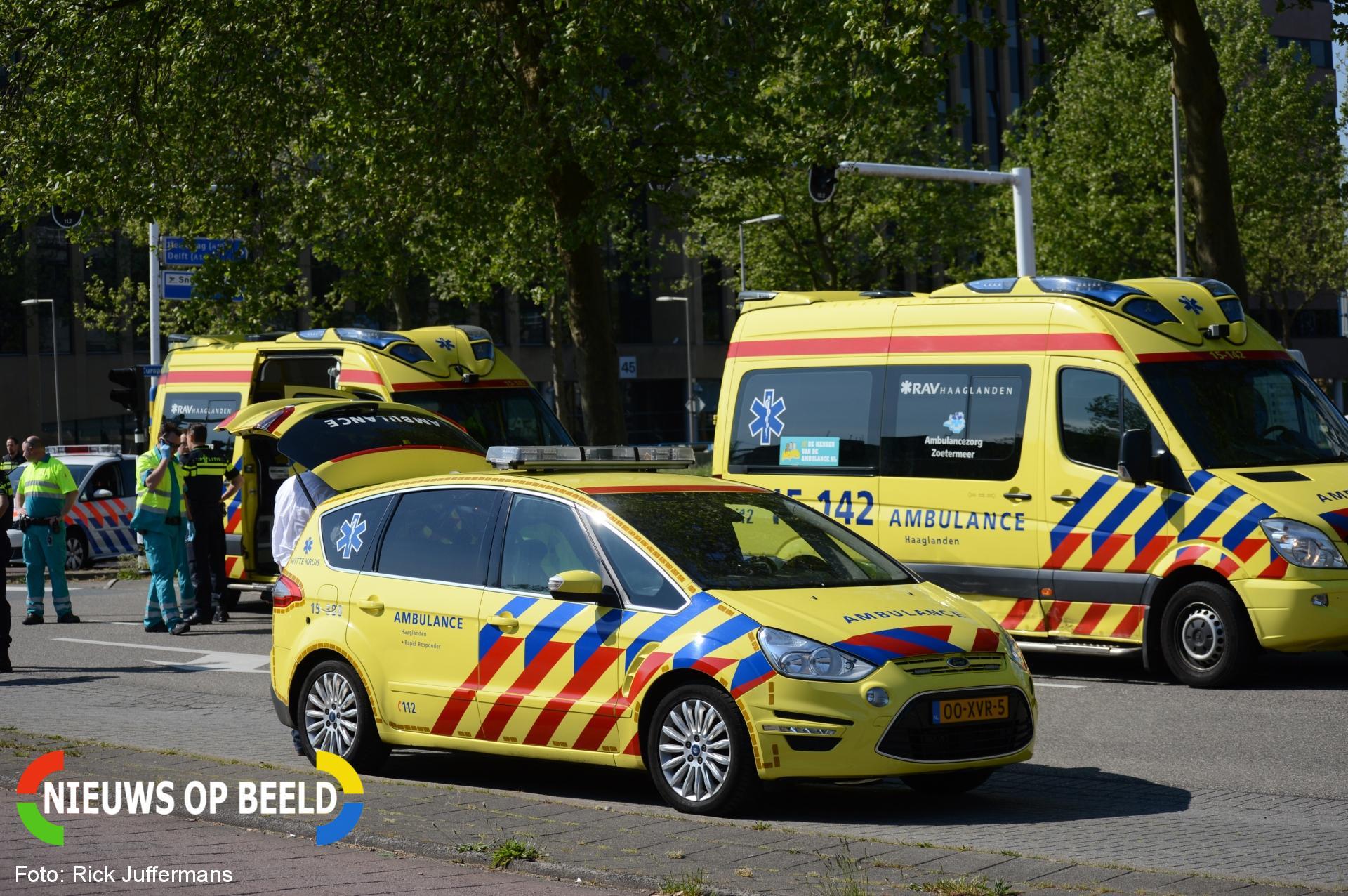 Ongeval tussen auto en ambulance Zwaardslootseweg Zoetermeer