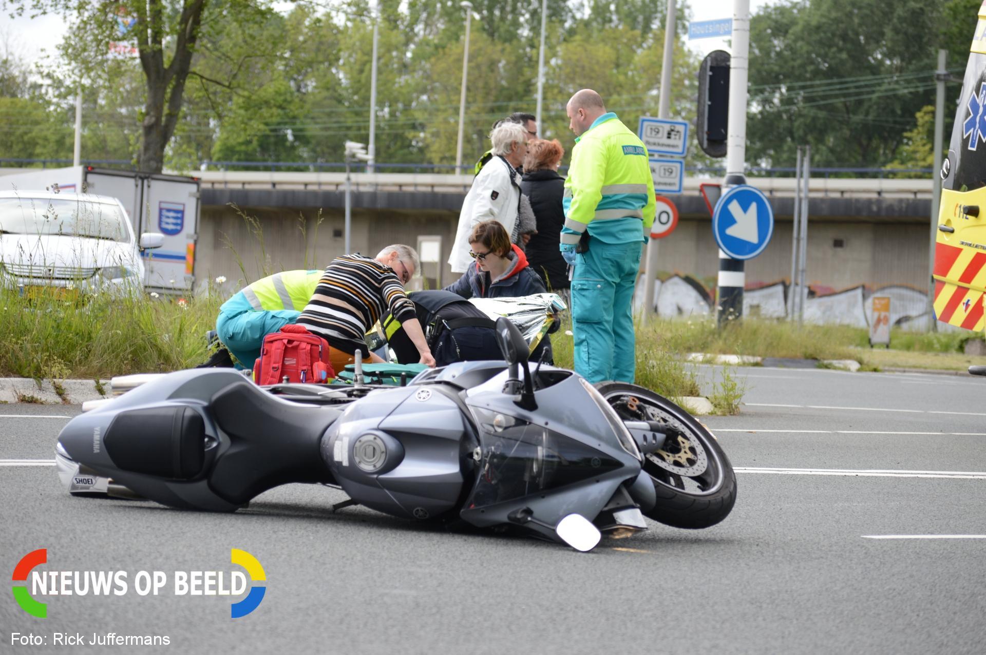 Motorrijder gewond na aanrijding met auto Houtsingel Zoetermeer