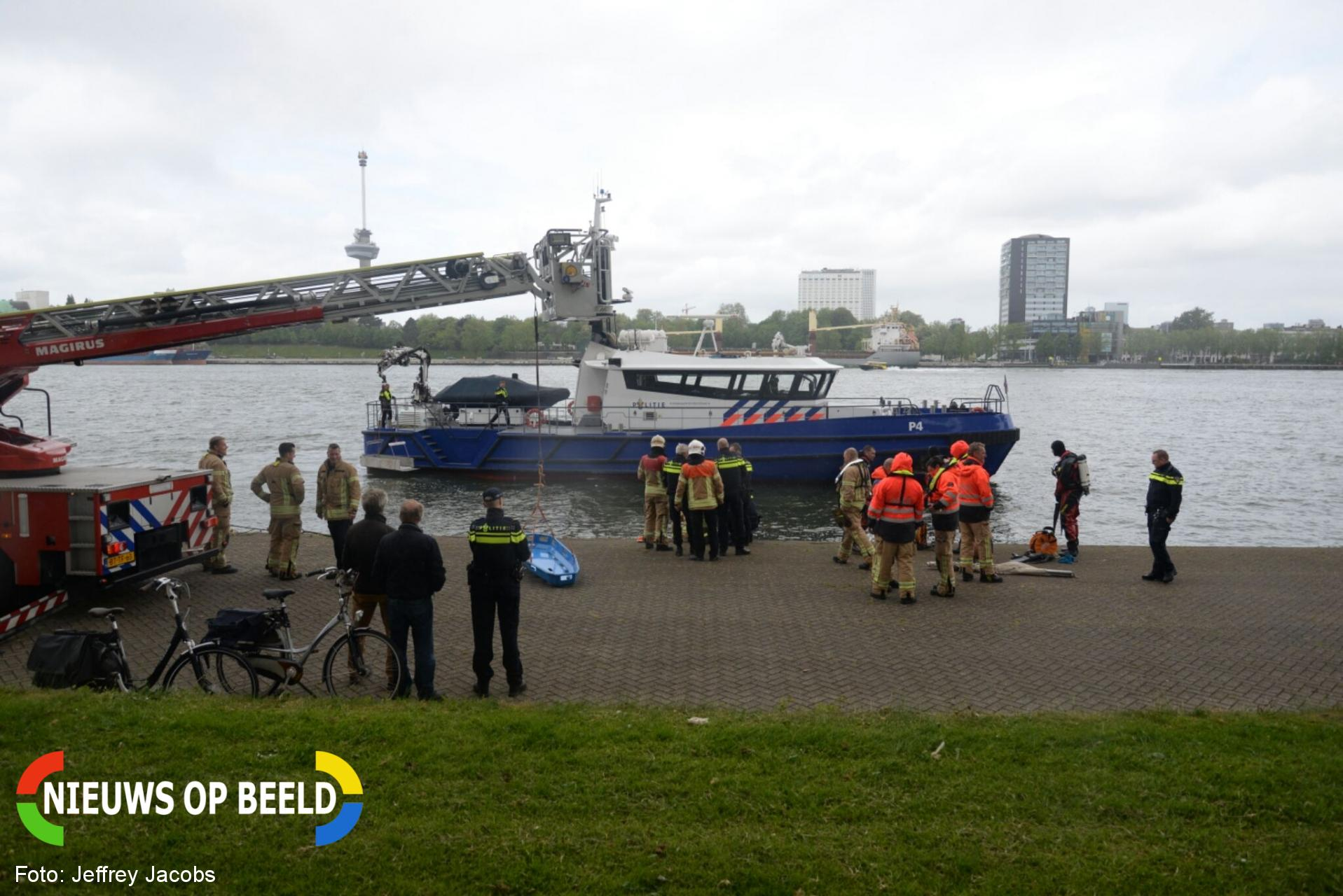 Stoffelijk overschot in het water aangetroffen 2e Katendrechtsehoofd Rotterdam
