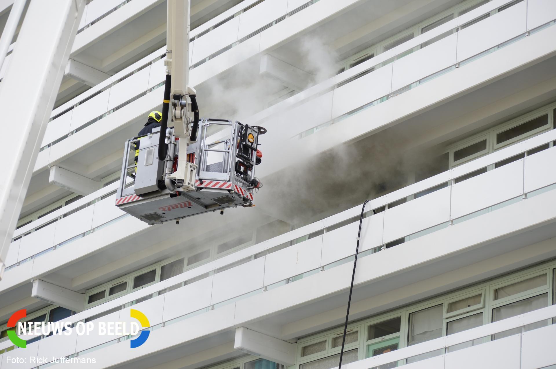 Veel rookontwikkeling bij brand in flat Van Leeuwenhoeklaan Zoetermeer