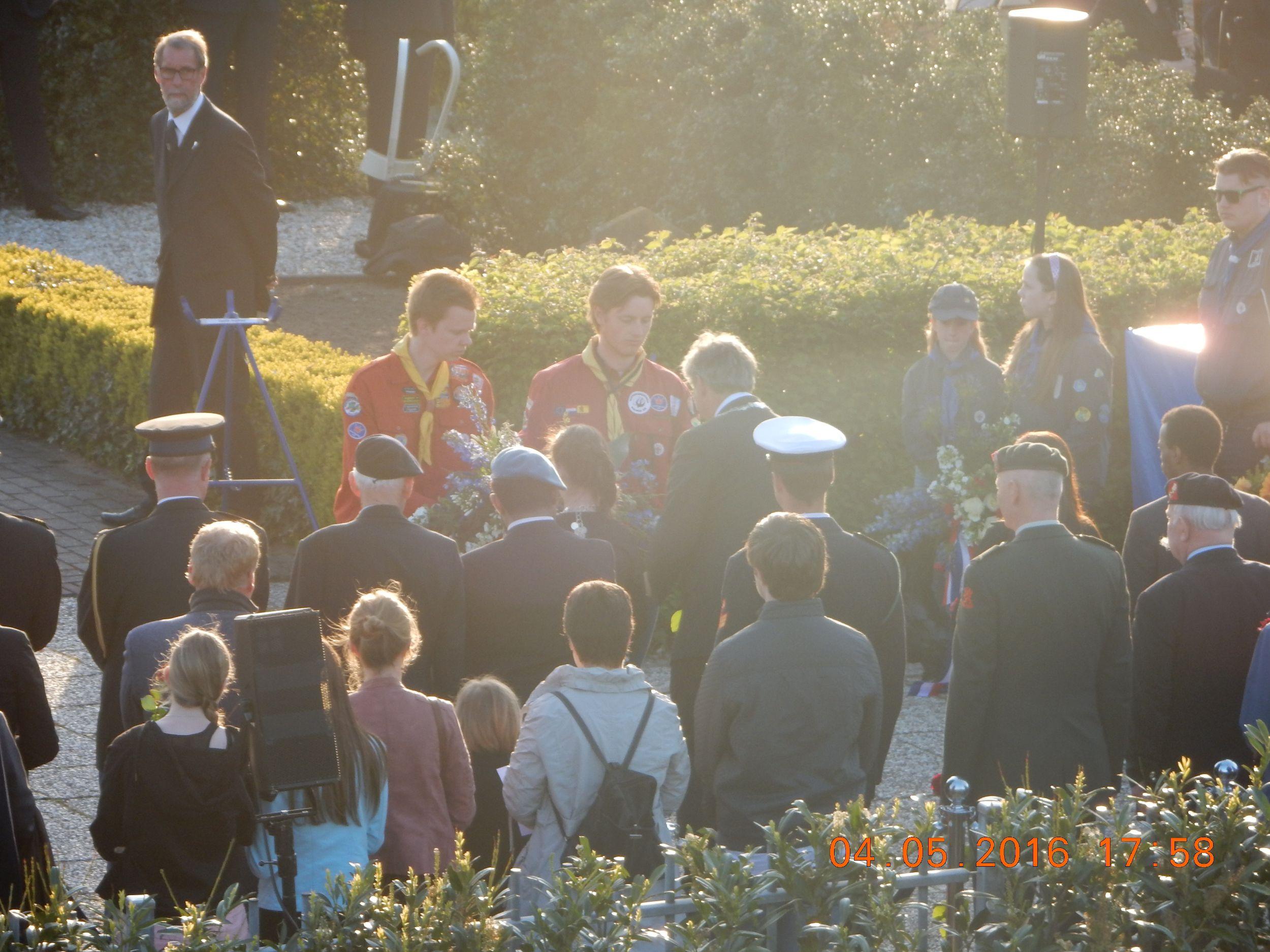 Stille tocht tijdens dodenherdenking IJsseldijk Capelle aan den IJssel