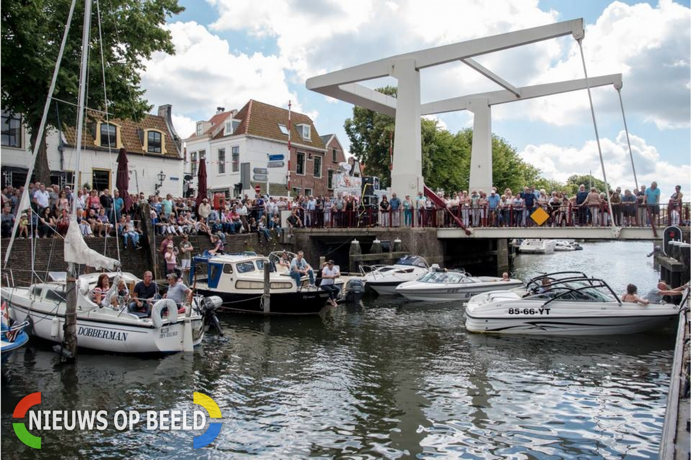 Veel bezoekers bij Blues Festival Turfkade Brielle