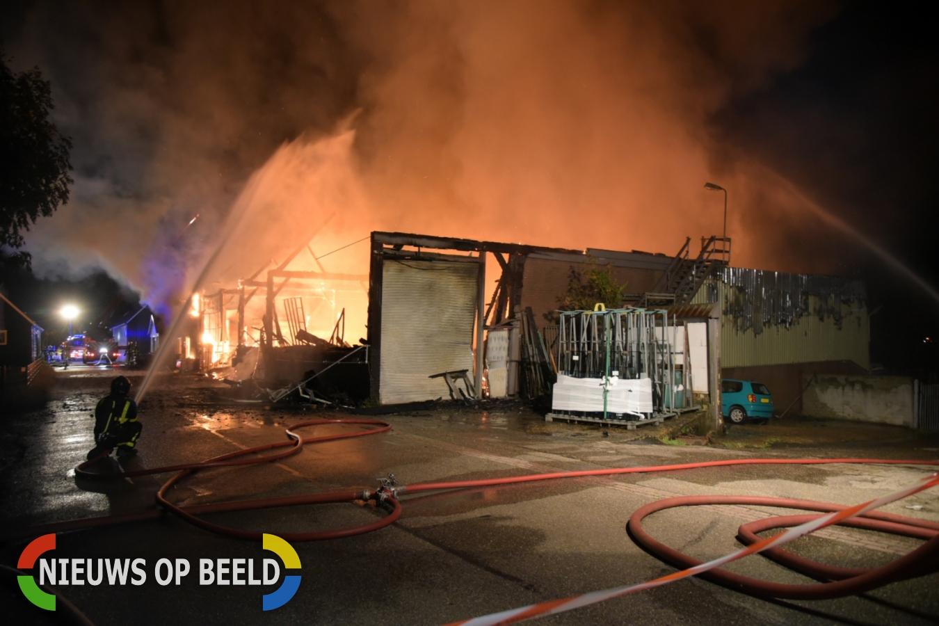 Zeer grote uitslaande brand Grip1 Westdijk Mijnsheerenland