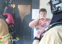 Brandweer Capelle oefent in flat Purmerhoek Capelle aan den IJssel ( Video )