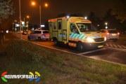 Auto ramt stoplicht en boompje en belandt in sloot Schroeder van der Kolklaan Poortugaal