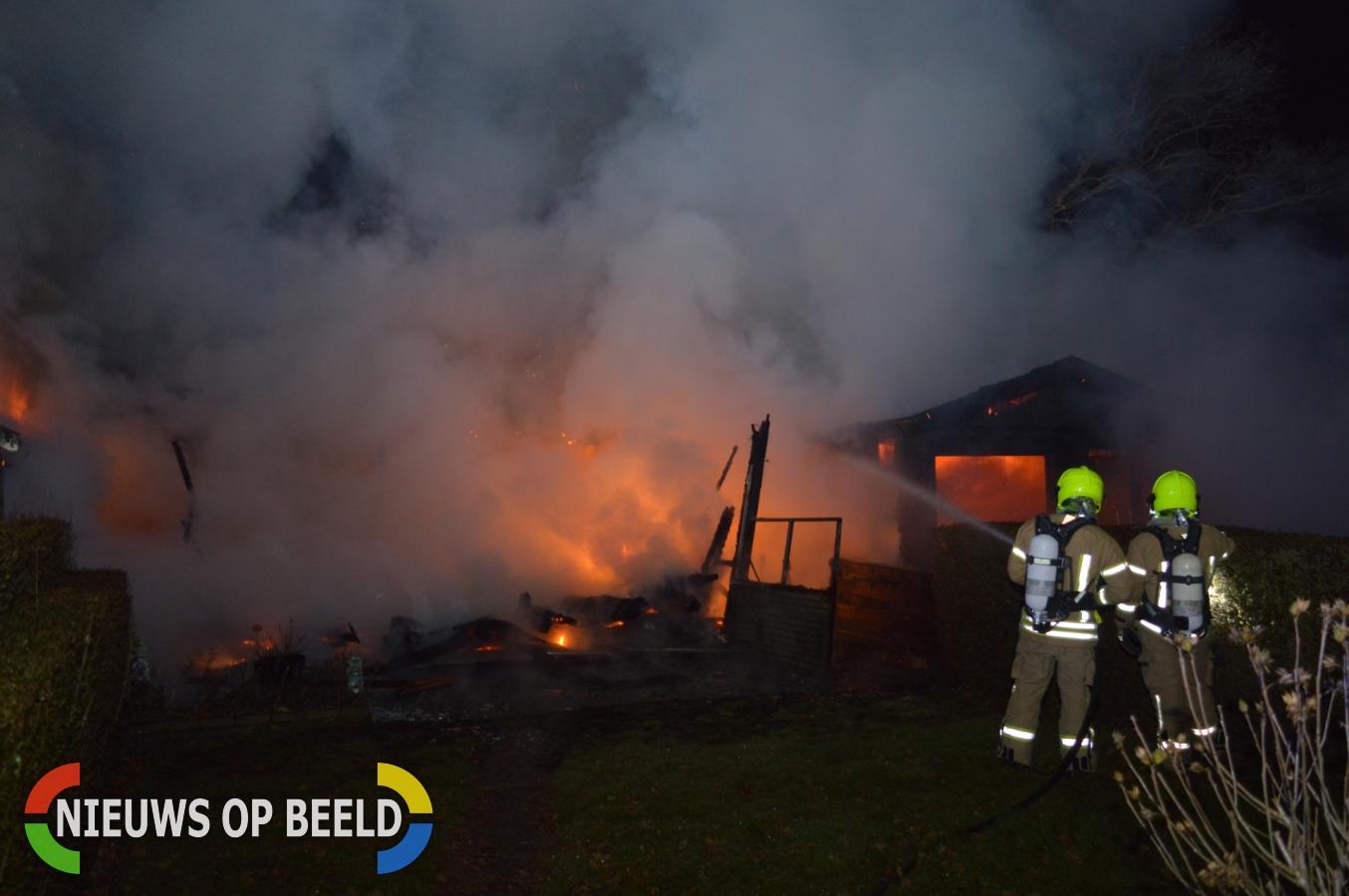 Brand verwoest meerdere vakantiehuisjes Gorsplein Oostvoorne