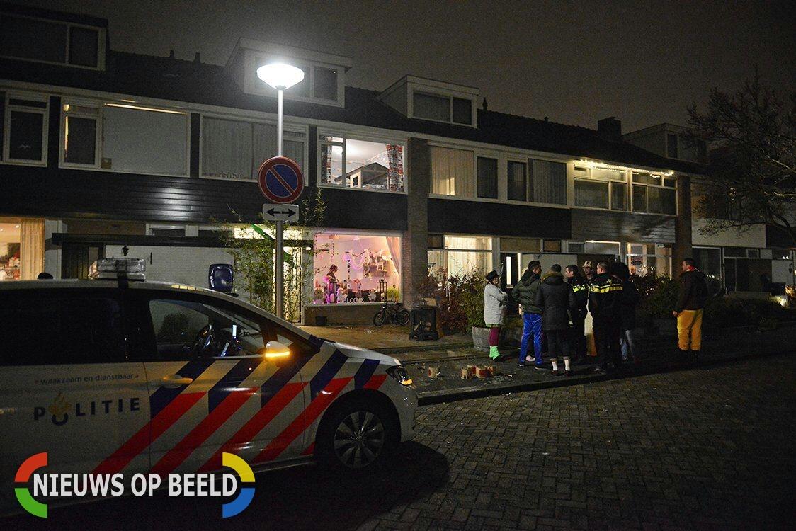 Woning en auto beschadigd door vuurwerk Witte de Withstraat Hendrik-Ido-Ambacht