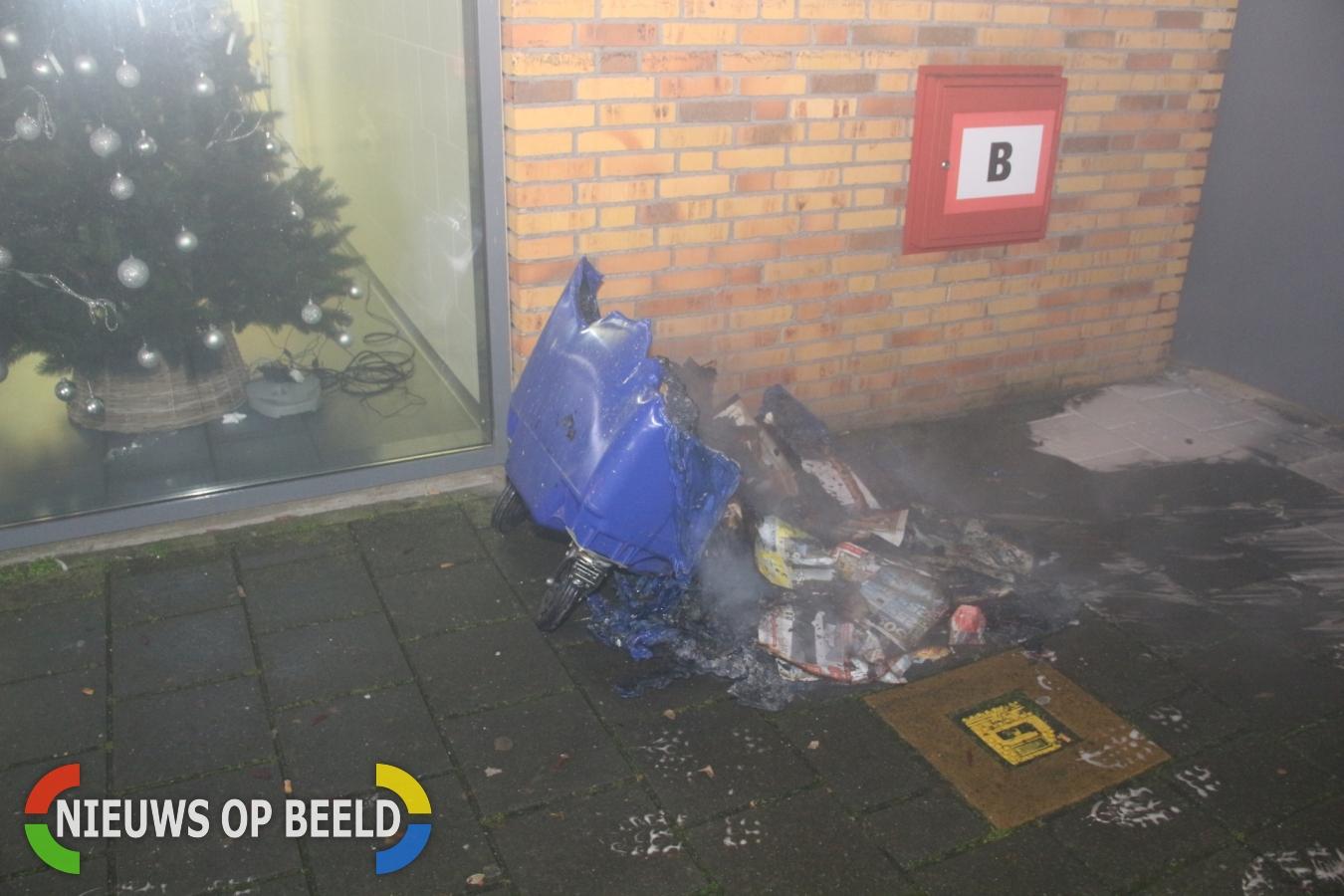 Deel van flat ontruimd na brand Buizerdhof Capelle aan den IJssel