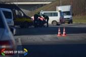 Busje schept scooterrijder Zuringstraat Rotterdam