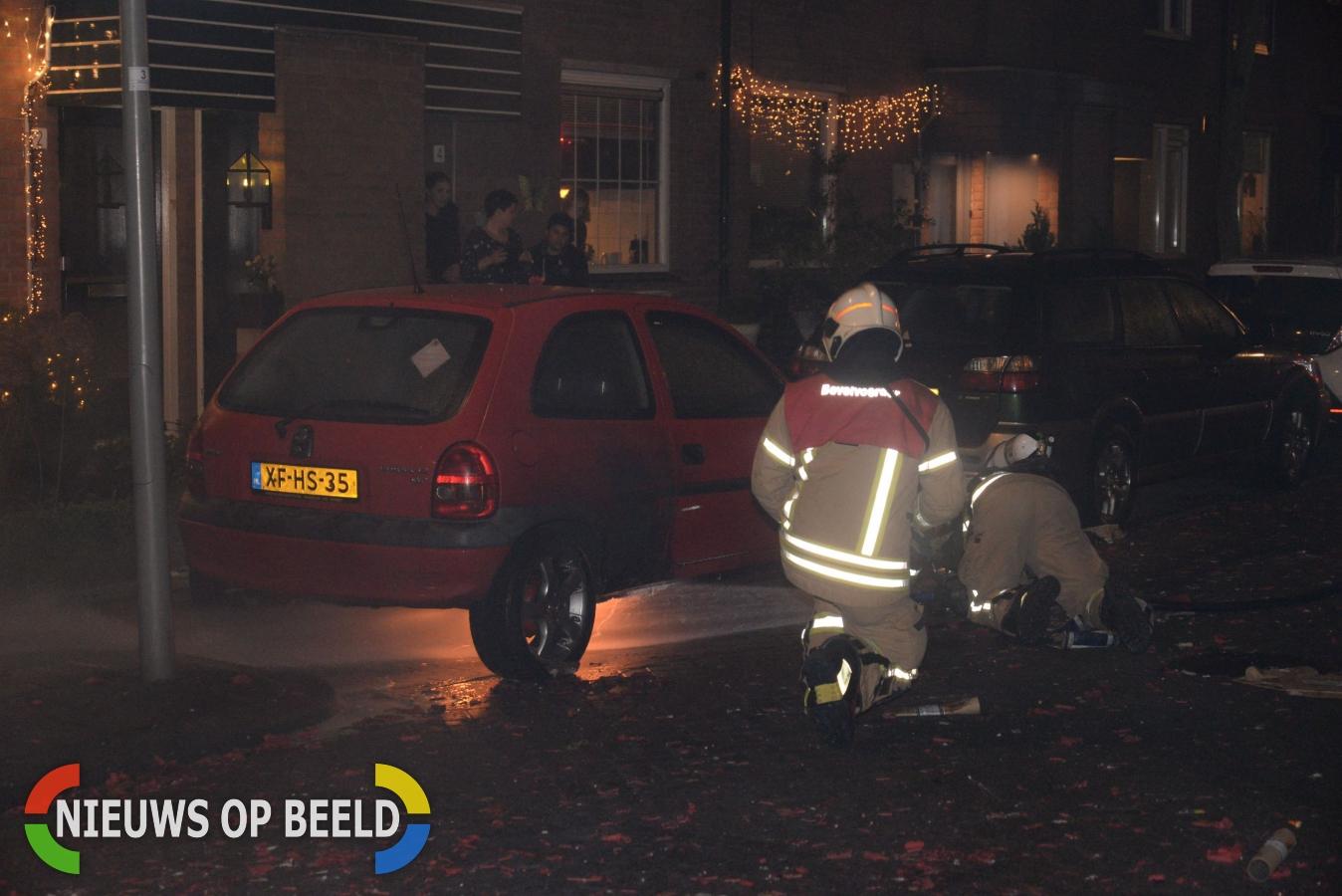 Benzinetank van auto vat vlam door vuurwerk gibraltarpad for Gino krimpen aan den ijssel