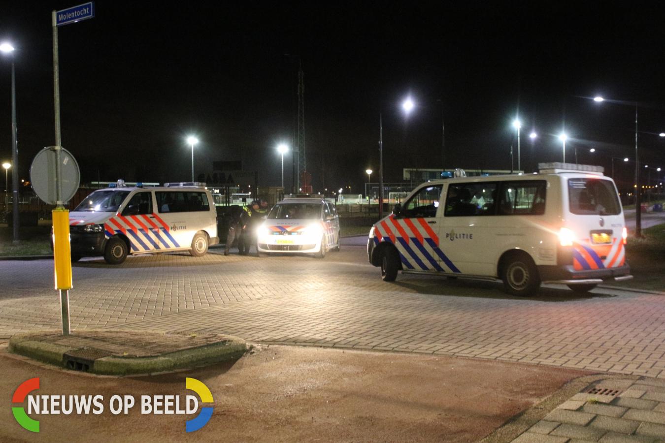 Politie massaal ter plaatse voor via Whatsapp georganiseerd Project X feest Molentocht Zoeterwoude