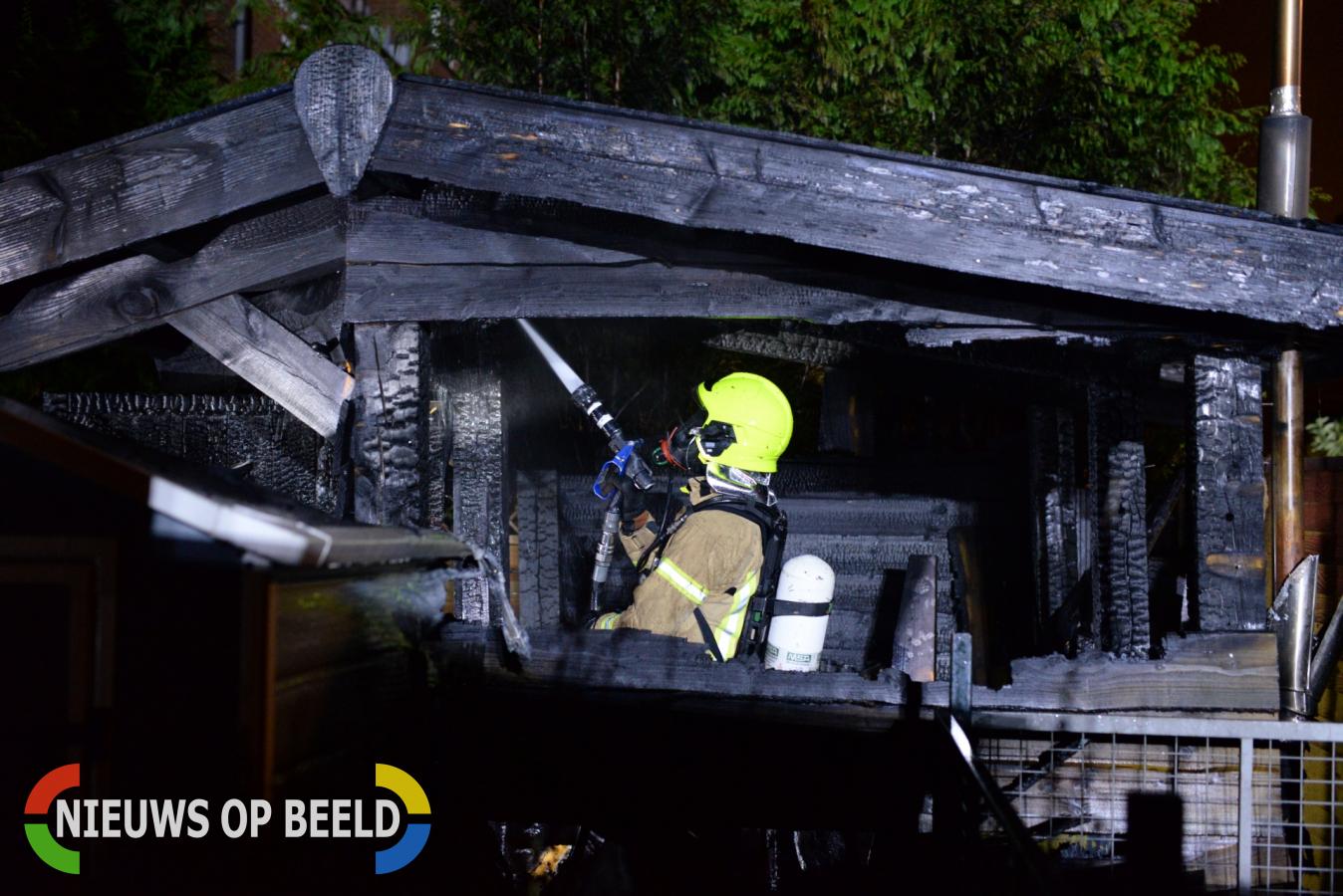 Tuinhuis brand volledig uit Mathilde Erf Capelle aan den IJssel