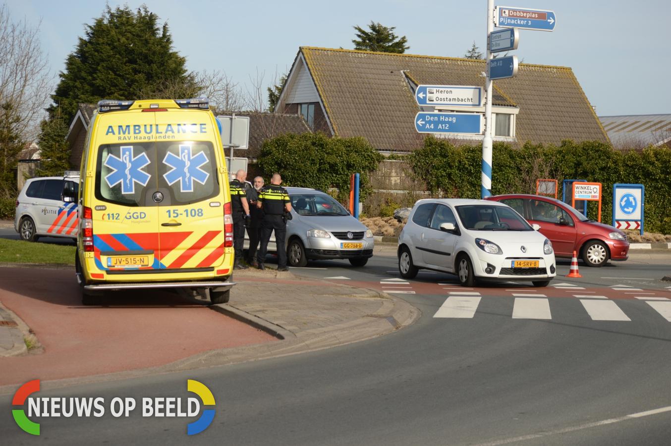 Aanrijding tussen twee personenauto's Molenaar Blonkweg Nootdorp