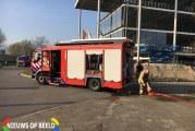 Brandweer rukt uit voor brand op dak van autodealer Karel Doormanweg Schiedam