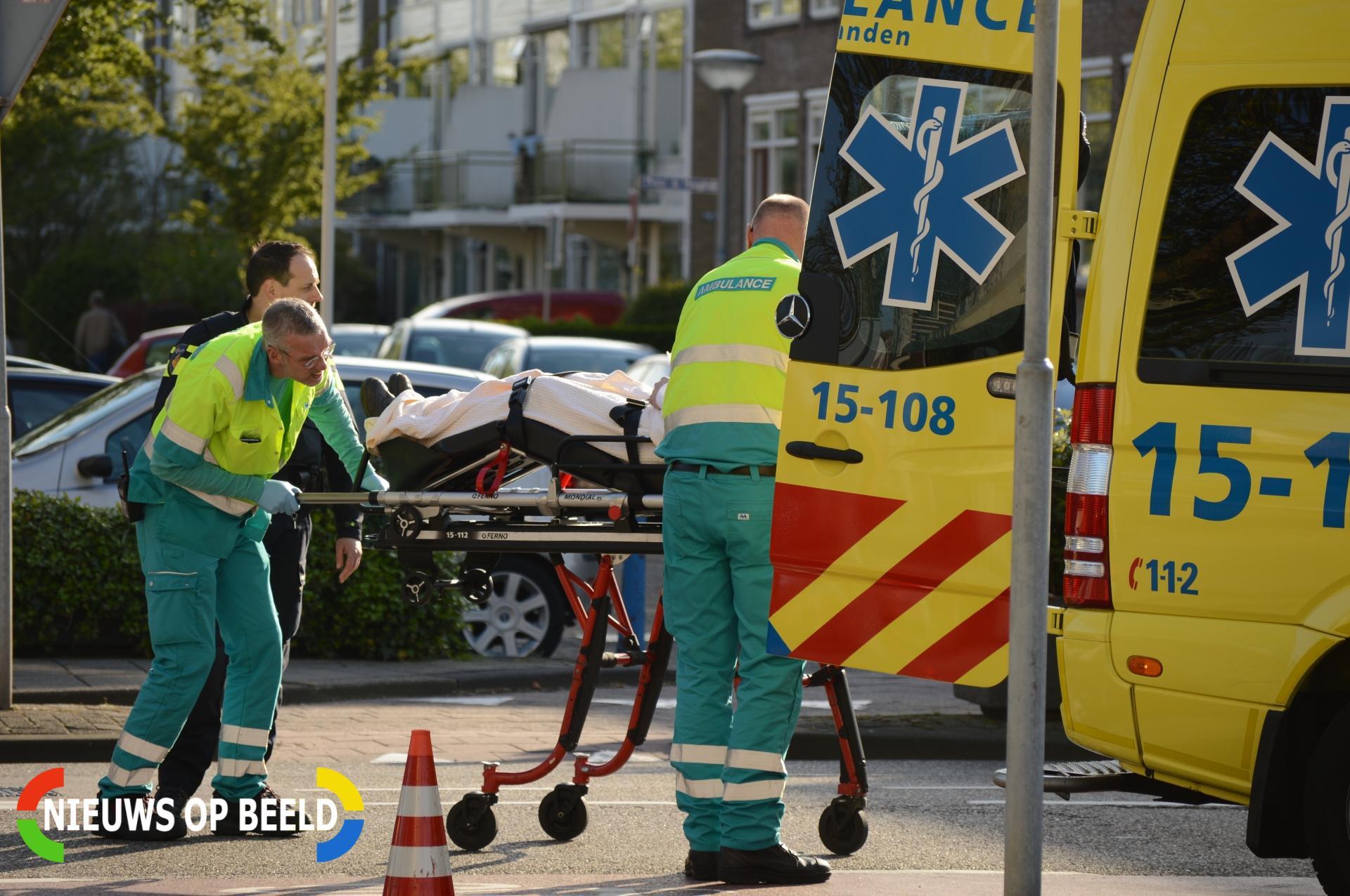 Gewonde bij aanrijding tussen fietser en personenauto Karel Doormanlaan Zoetermeer