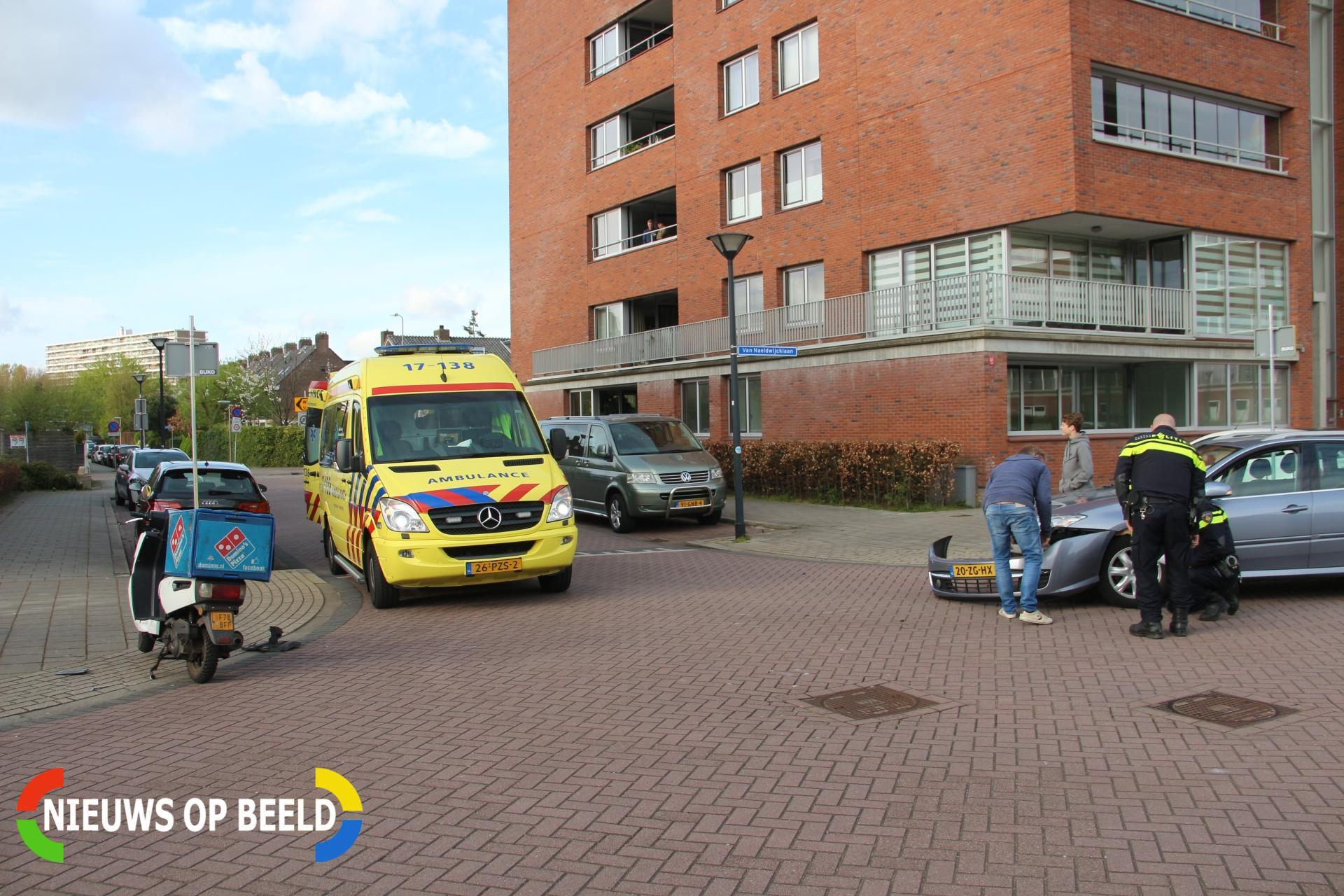 Scooterbestuurder gewond bij aanrijding Van Naeldwijcklaan Capelle aan den IJssel