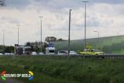 Busje vliegt in brand na zwaar ongeval met vrachtwagen Rijksweg A2 Echt