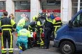 Scooterrijder komt bekneld te zitten na aanrijding en raakt zwaargewond Ruijsdaelstraat Den Haag
