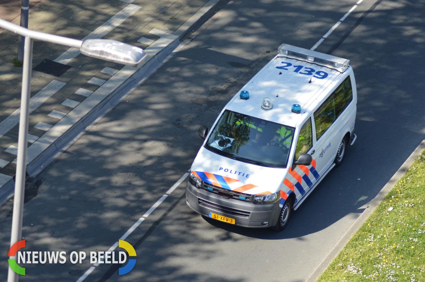 Inbreker zwaargewond na aanrijding met politiebus Erasmussingel Rotterdam