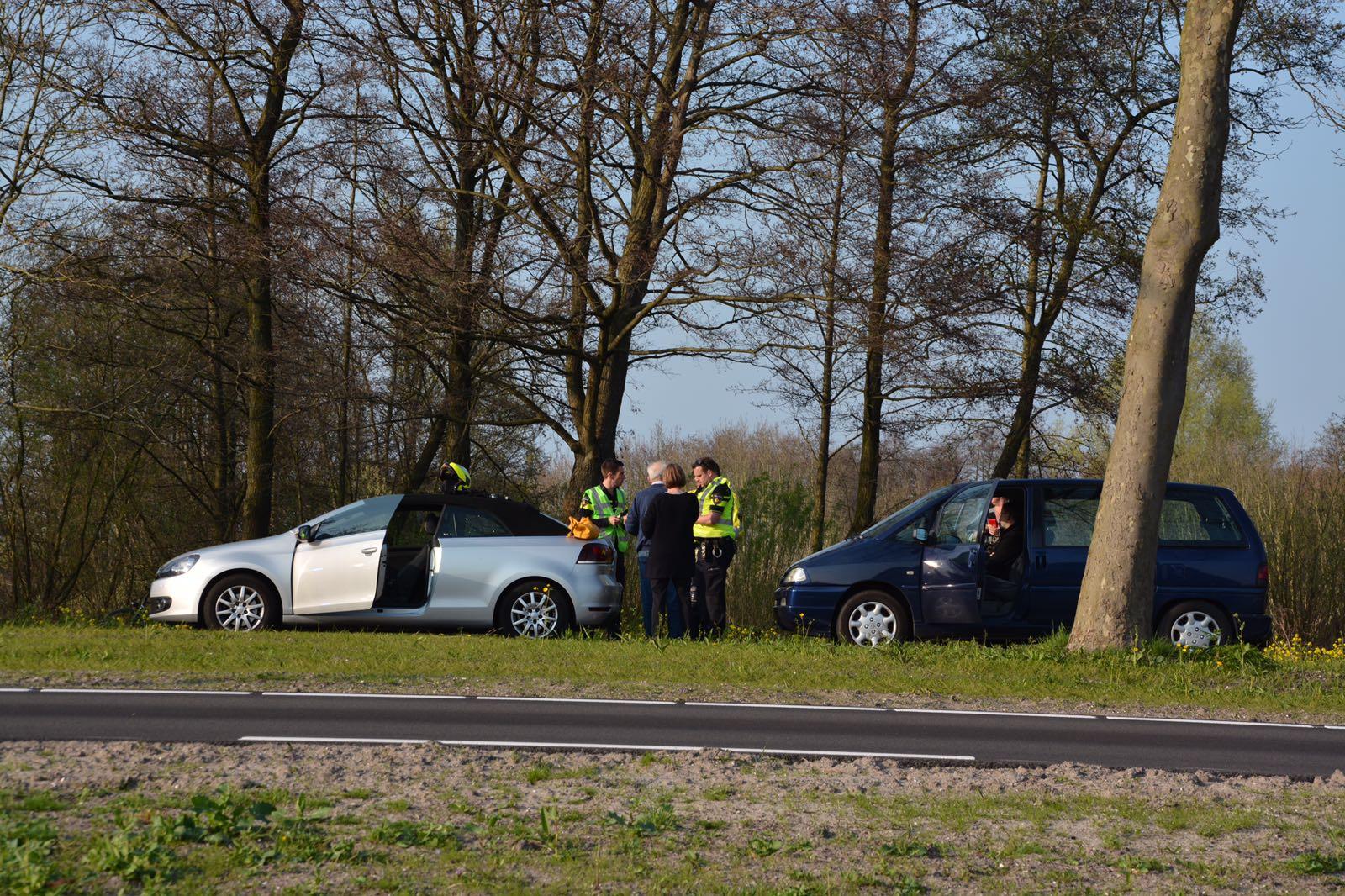 Eend overleden na aanrijding tussen 3 voertuigen