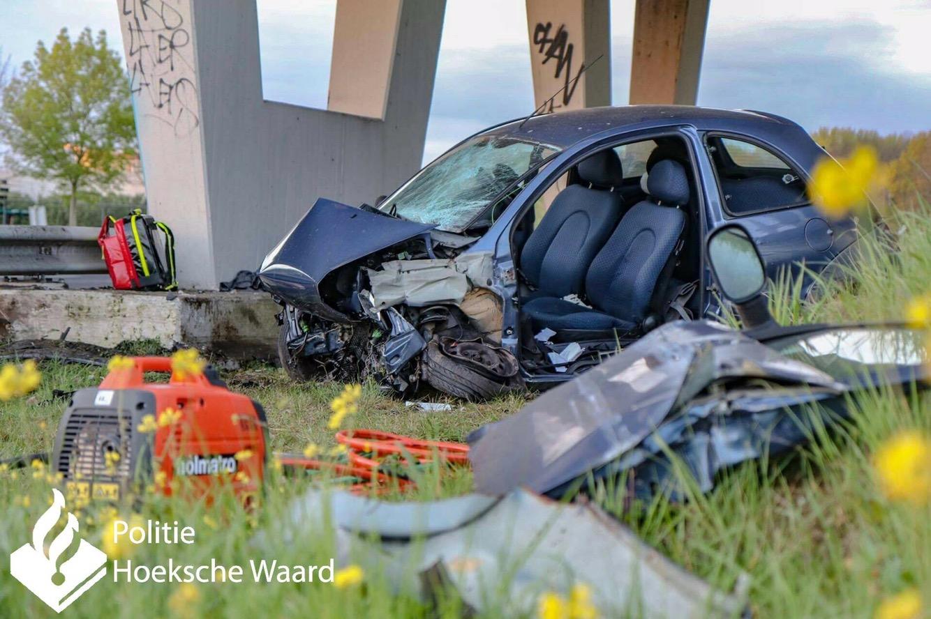 Automobilist overleden na ongeval A29 Numansdorp