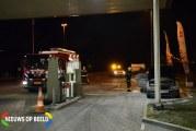 Auto vliegt in de brand bij tankstation A12 Bodegraven