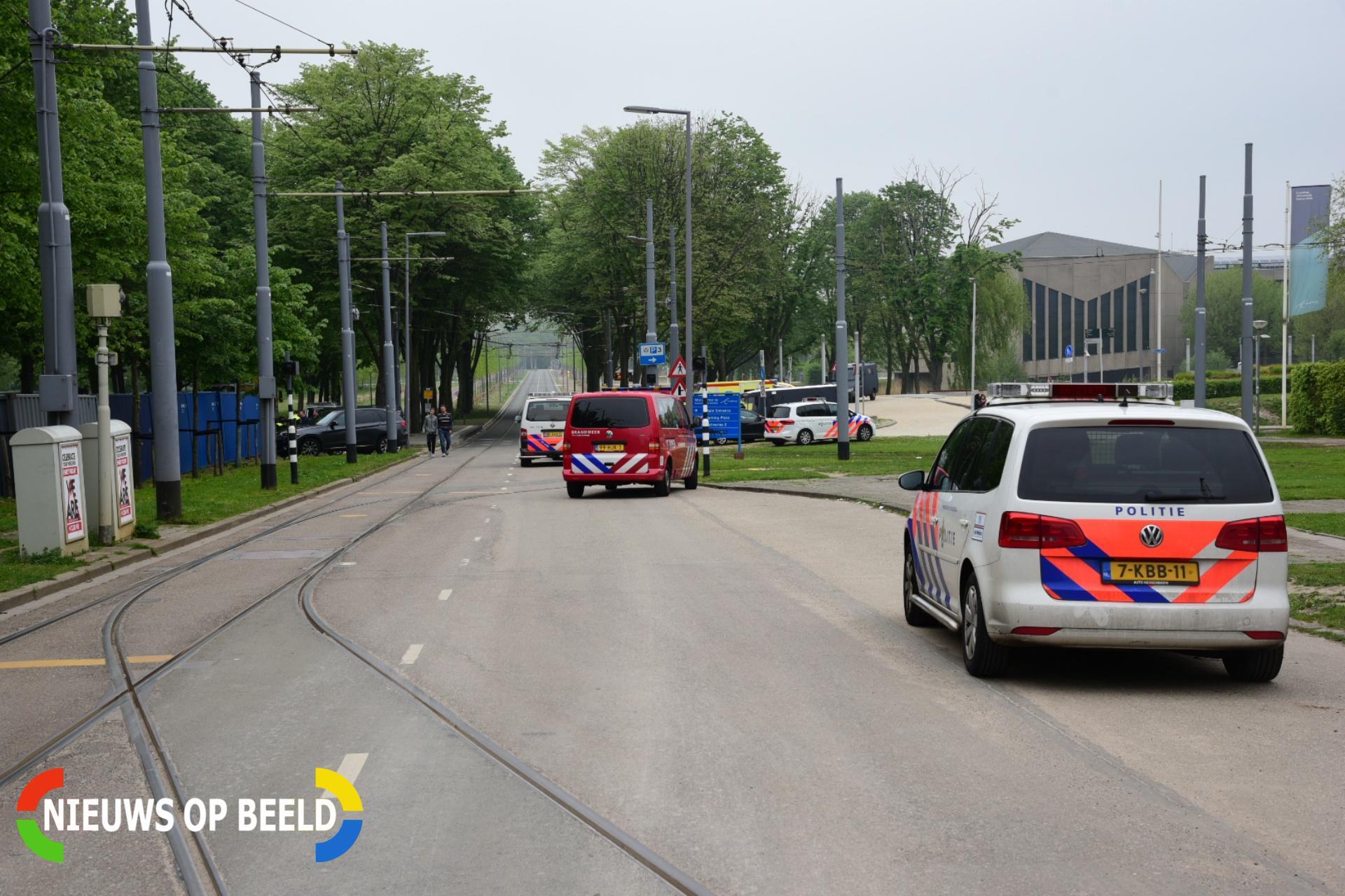 Man verschanst zich in lichtmast excelsior stadion for Honingerdijk rotterdam