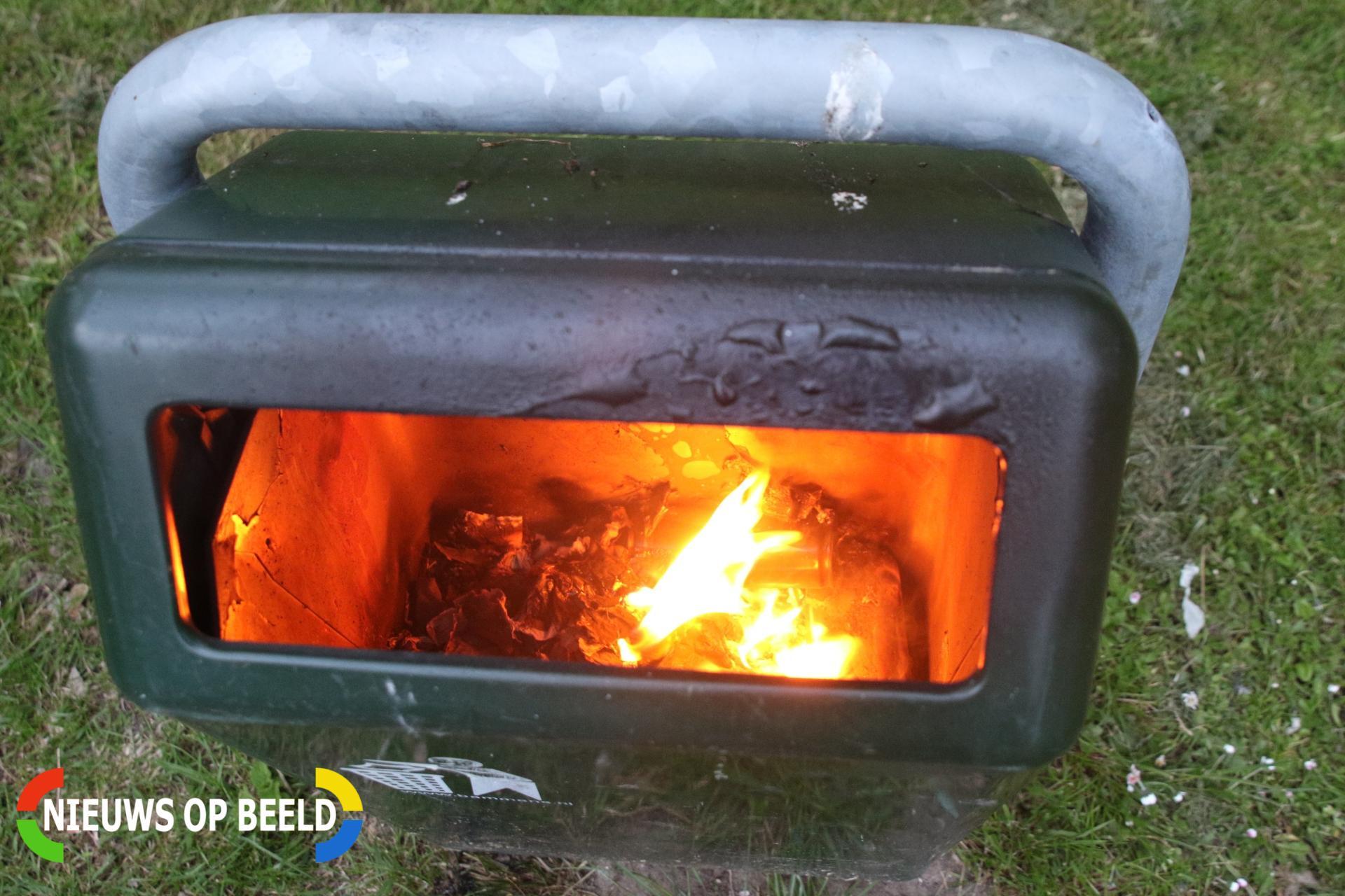 Brandweer blust brandje in prullenbak Bloemerd Leiderdorp