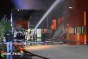 Grote brand in een bedrijfsverzamelgebouw Stationsweg Oude-Tonge