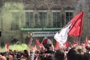 Ongeveer 140.000 fans onthalen kampioen Feyenoord op balkon van Stadhuis Rotterdam