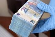 Agenten vinden drugs en  60.000 euro in garage Rotterdam-West Rotterdam