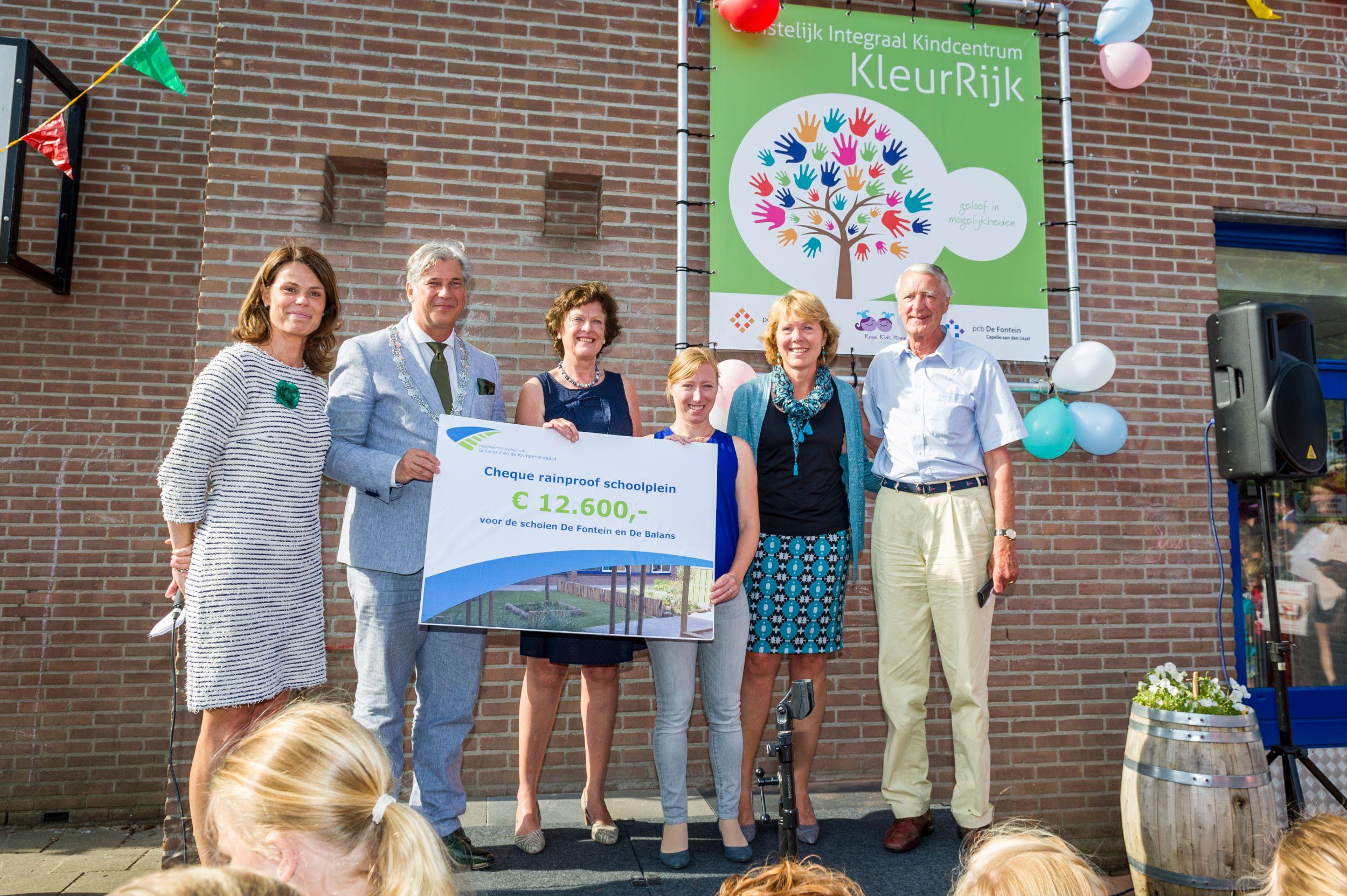 Basisschool De Fontein Krimpen Aan Den Ijssel.Nieuw Groen Schoolplein Voor De Balans En De Fontein Capelle