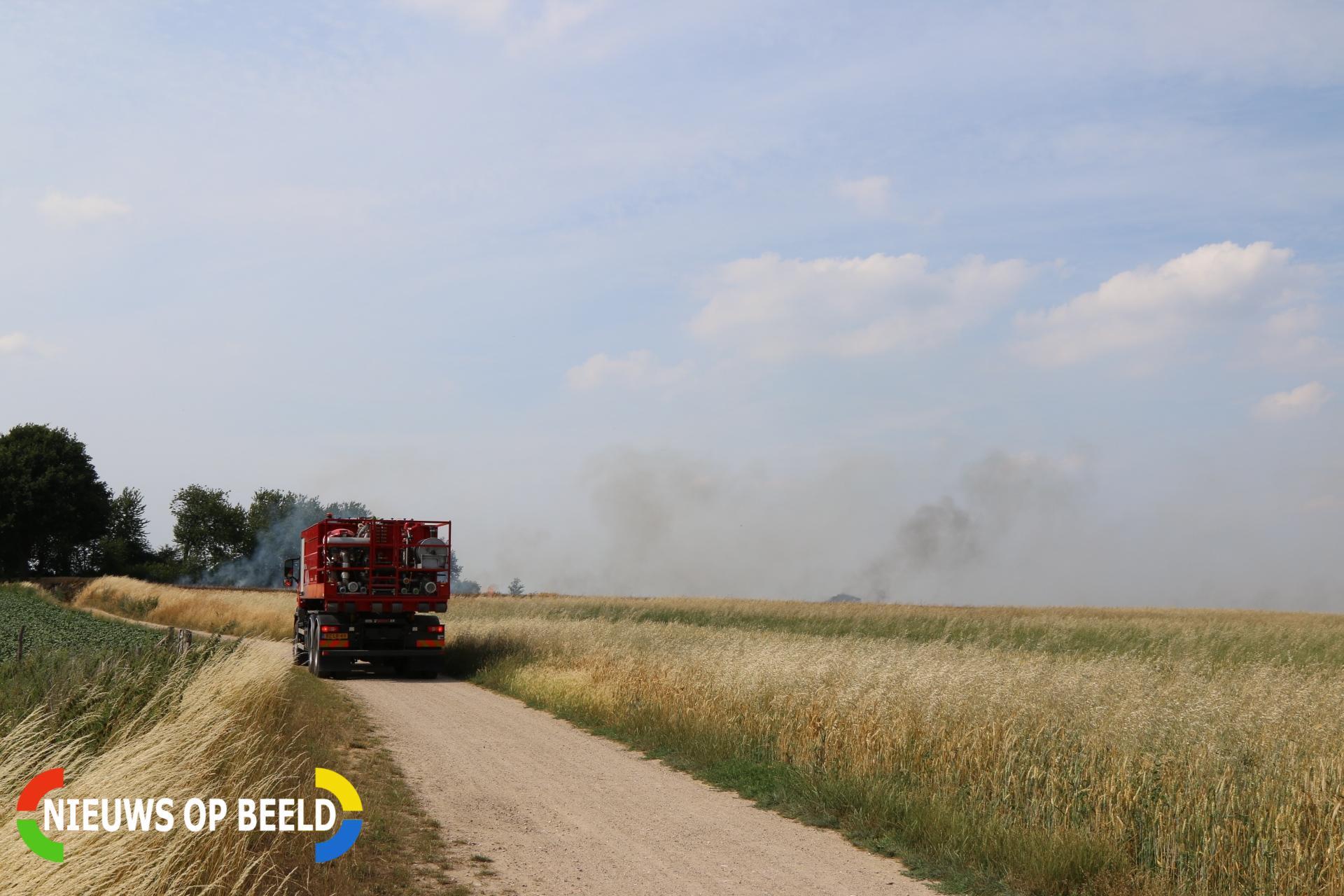 Grote buitenbrand in korenveld Sjteinpaedje Sittard