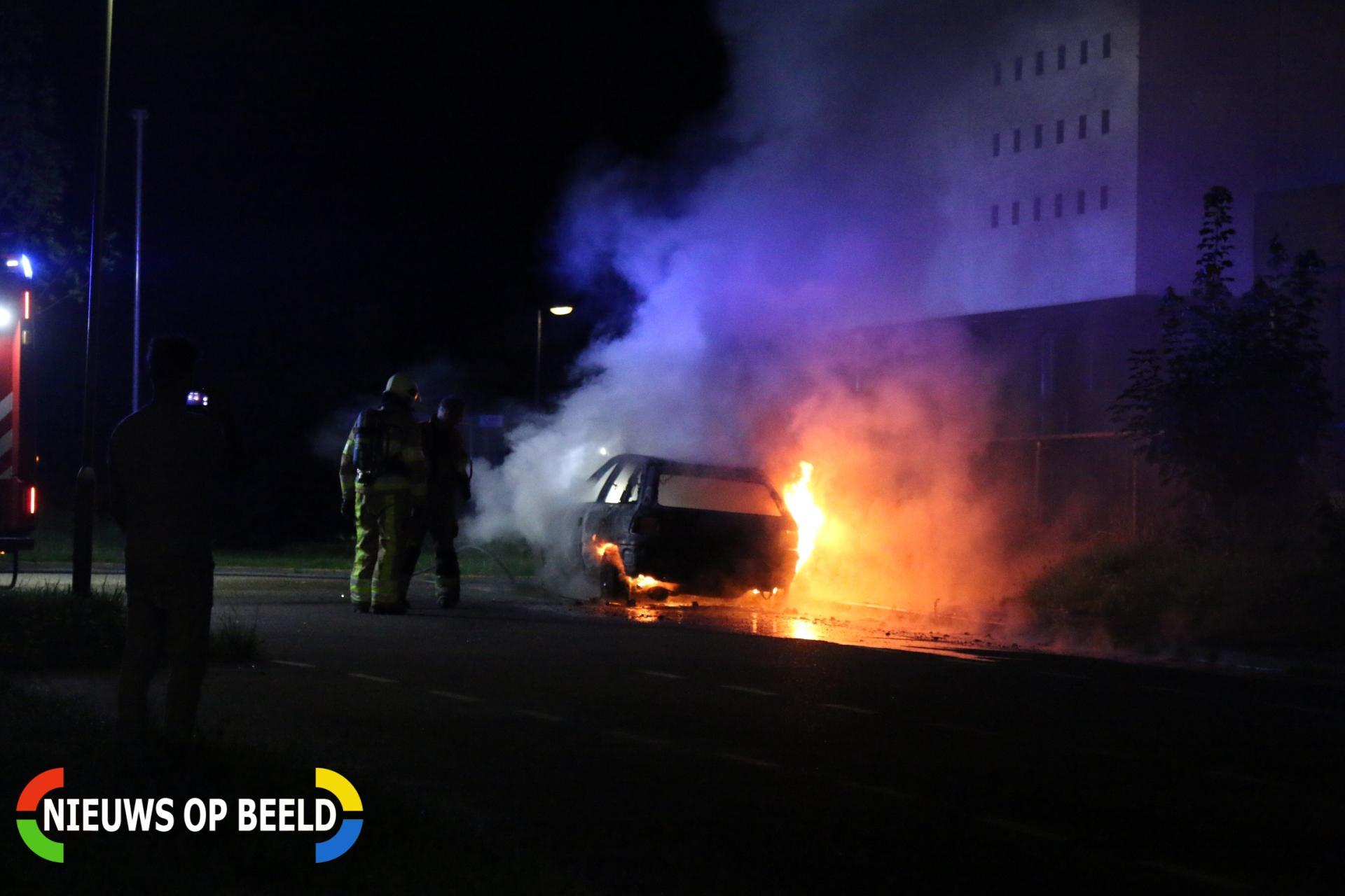 Auto in brand gestoken Poststraat Sittard