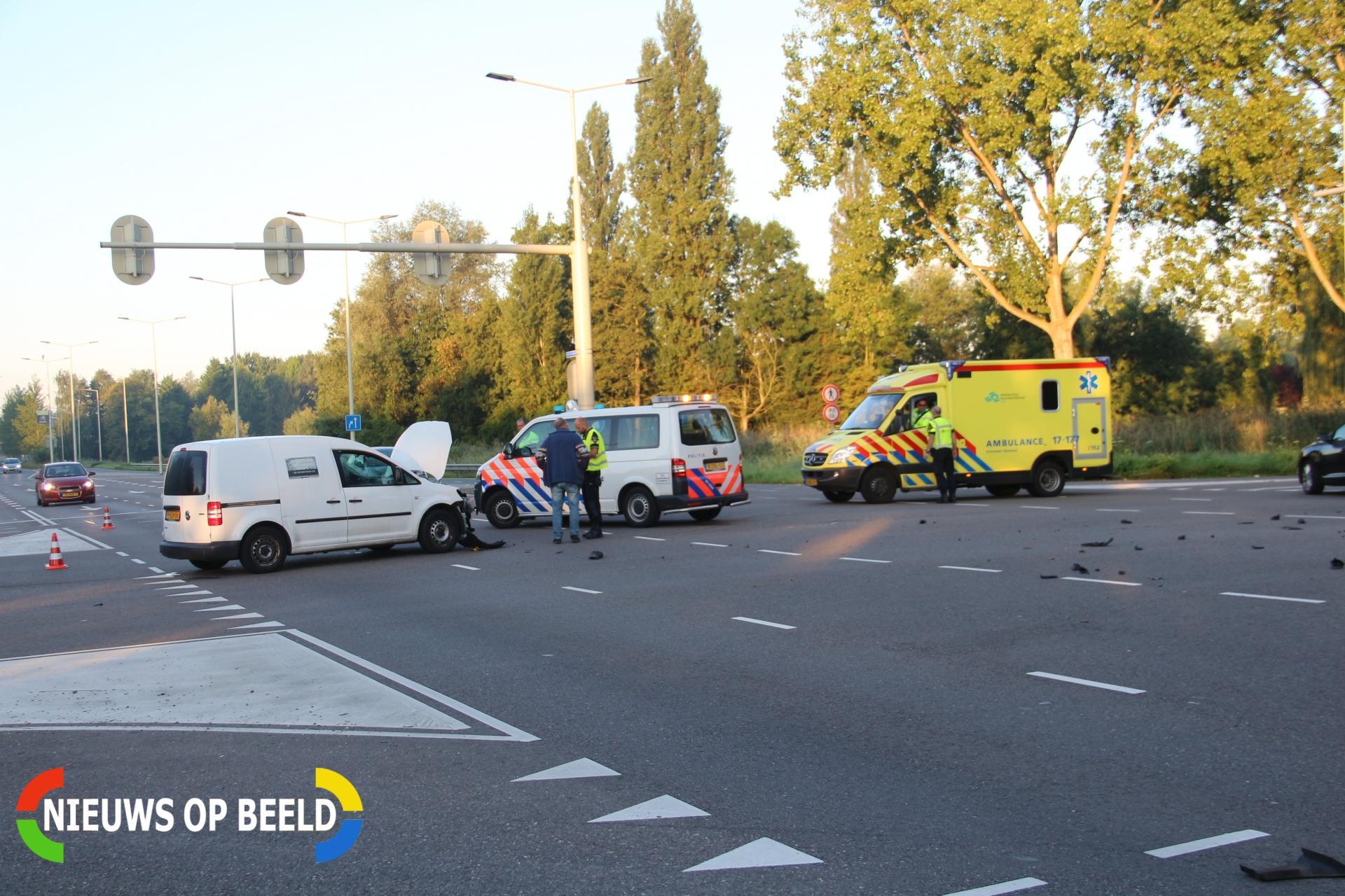 Forse schade na ongeval op kruising Slotlaan Capelle aan den IJssel