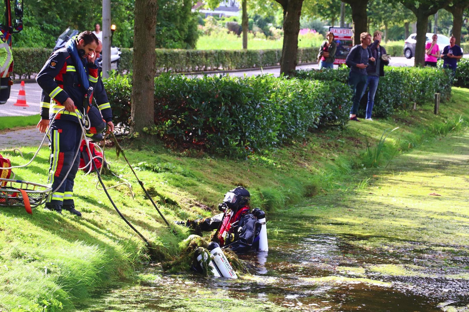 Vrouw valt in water Sterremos Reeuwijk
