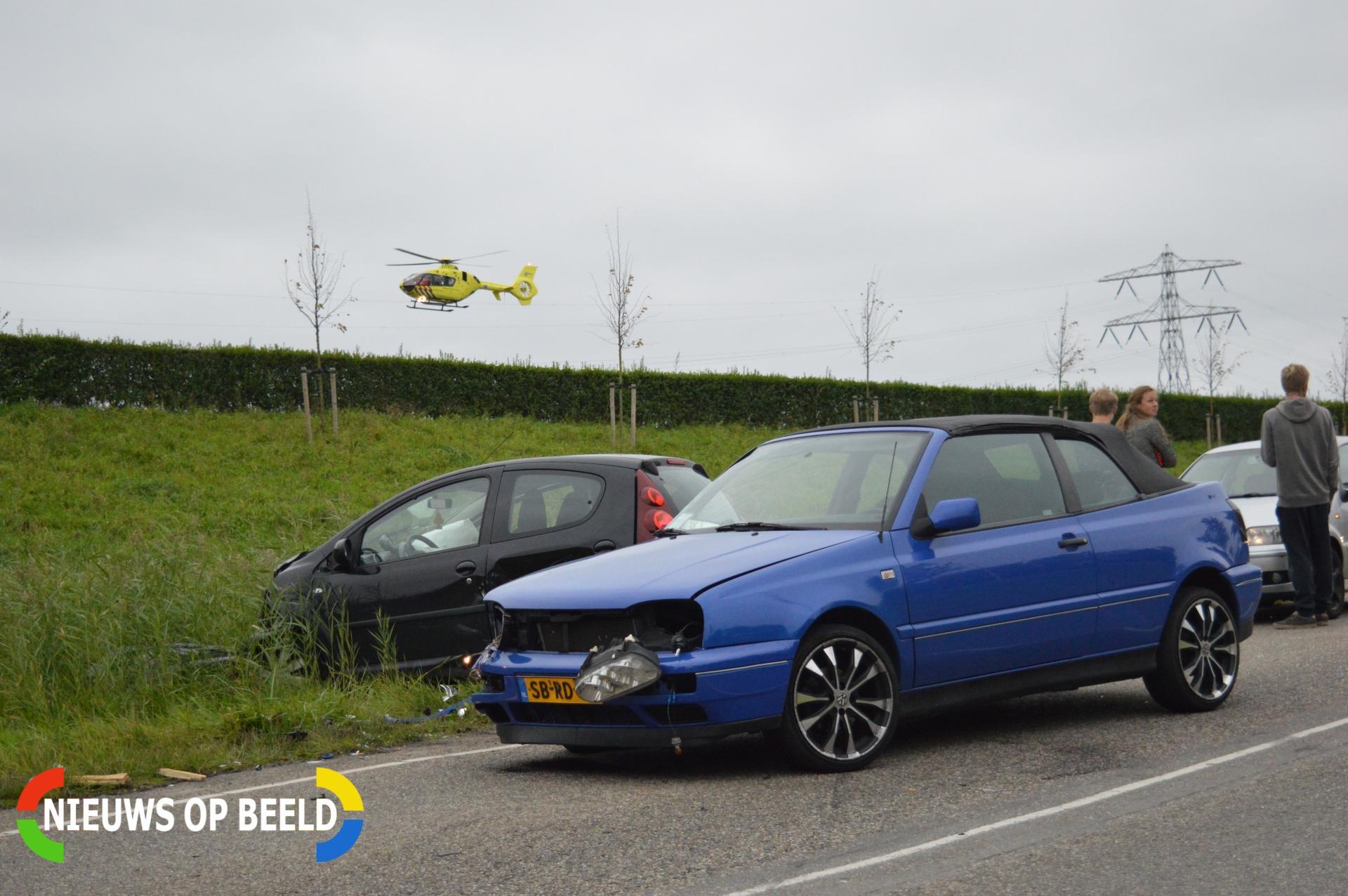 Persoon gewond na frontale aanrijding Verlengde Verdouwenhoeck Heenvliet