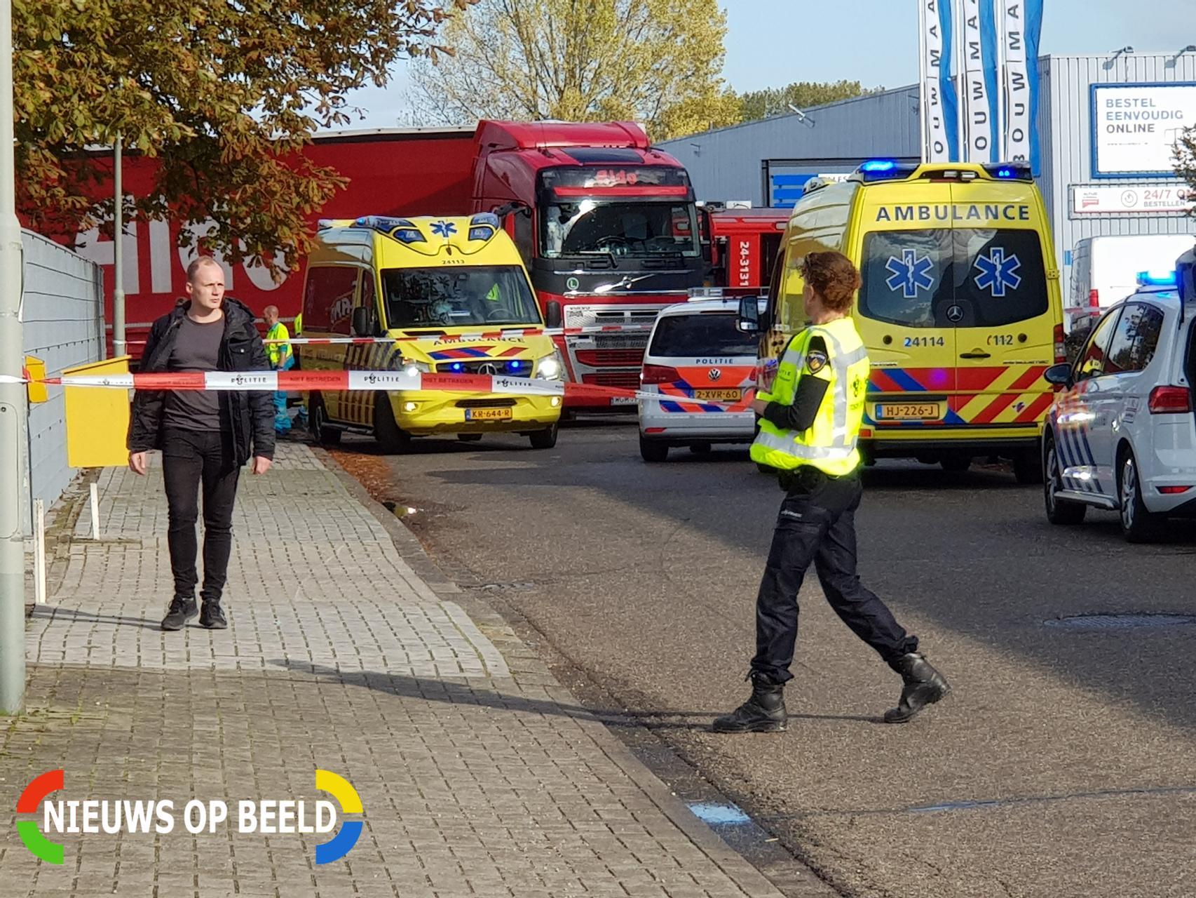 Fietser onder vrachtwagen terecht gekomen Gasthuisgraaf Sittard