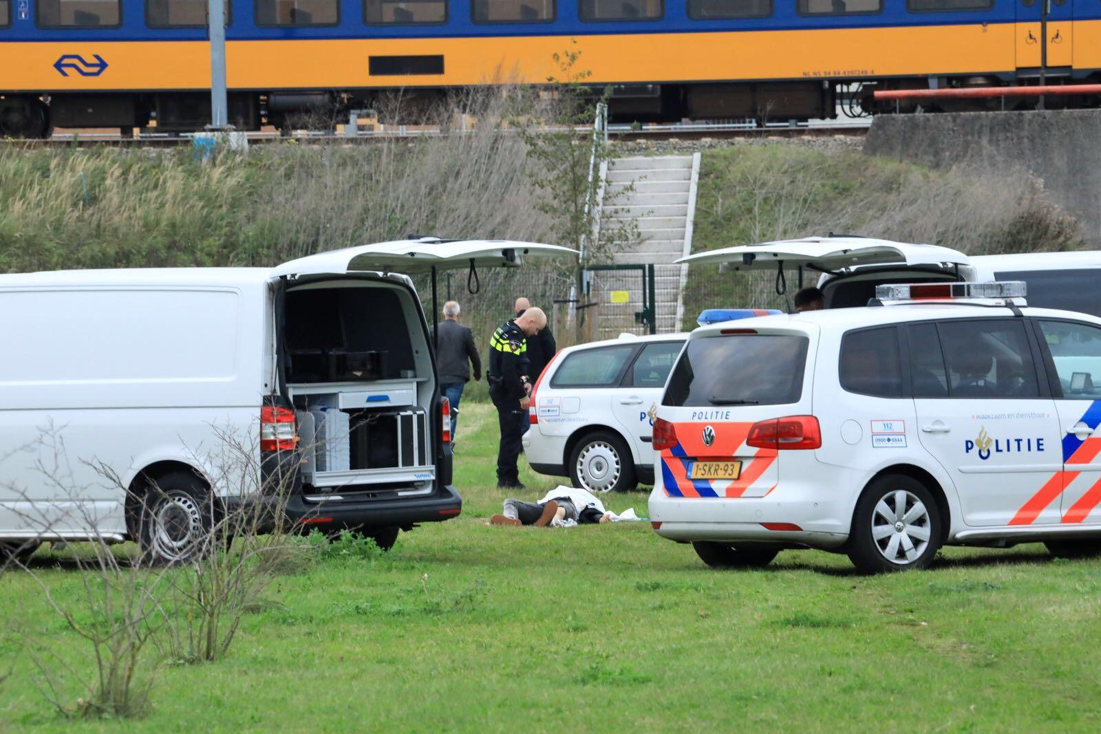 Politie vindt stoffelijk overschot  na schietincident in Almere
