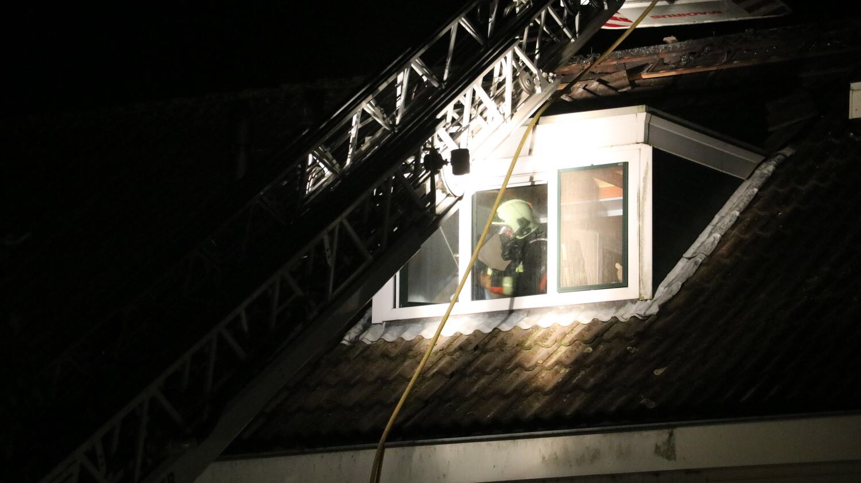 Uitslaande brand verwoest zolder van woning heemraadweg waddinxveen nieuws op beeld altijd - Uitbreiding van de zolder ...