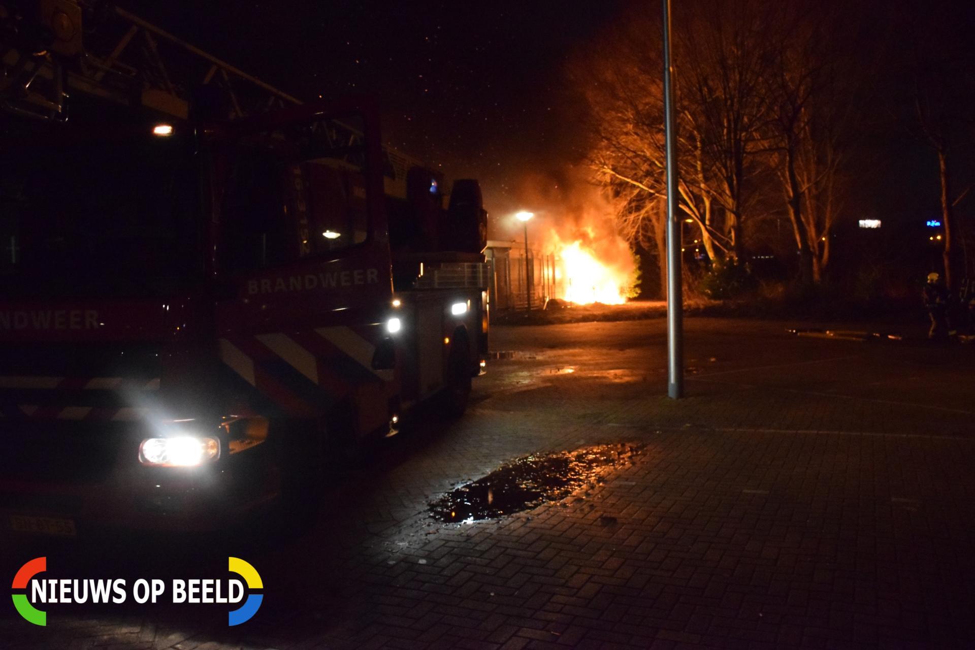 Uitslaande brand bij atletiekbaan Groenhovenpark Gouda