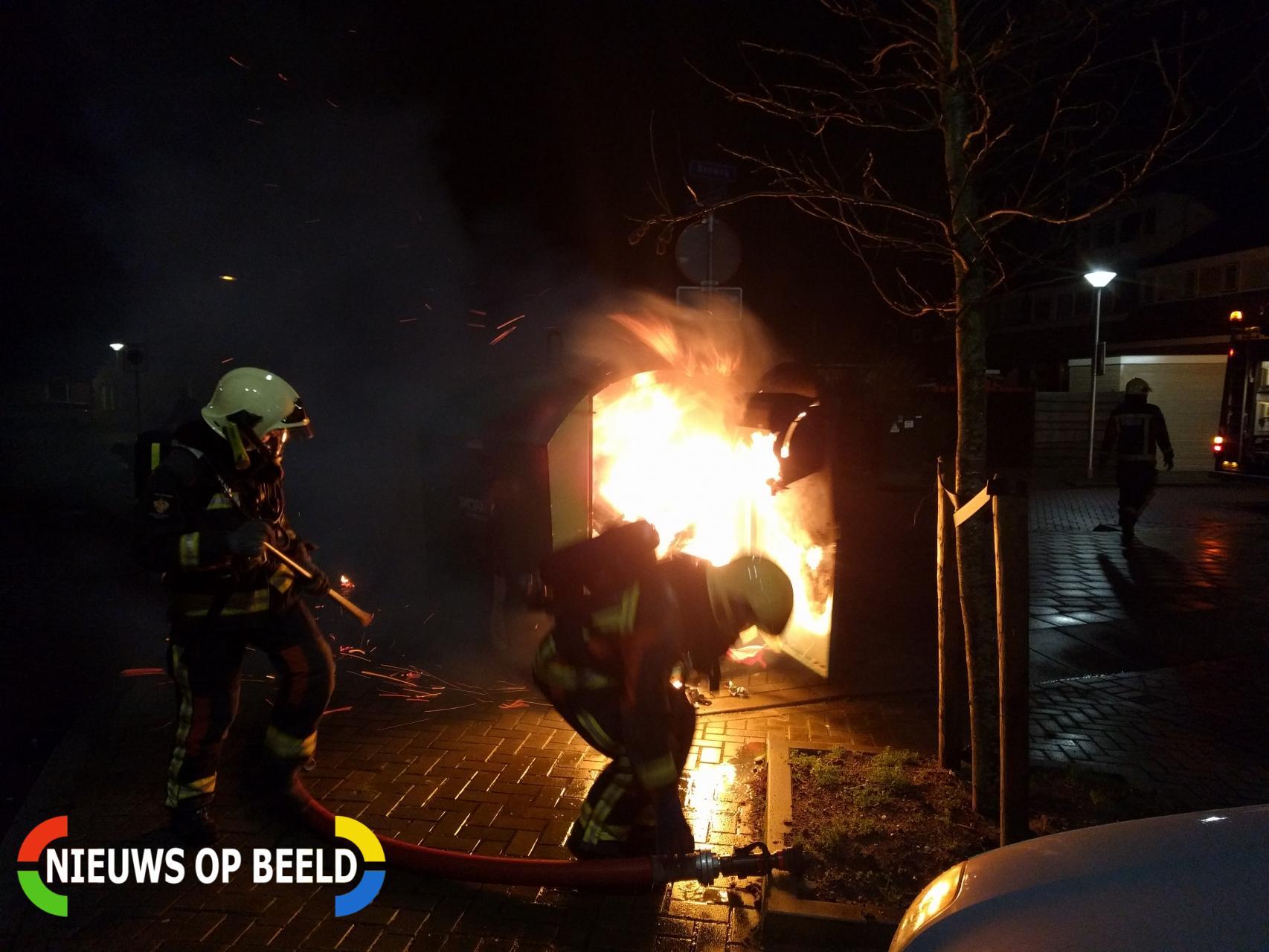 Container in brand door vuurwerk Helmerstraat Gouda