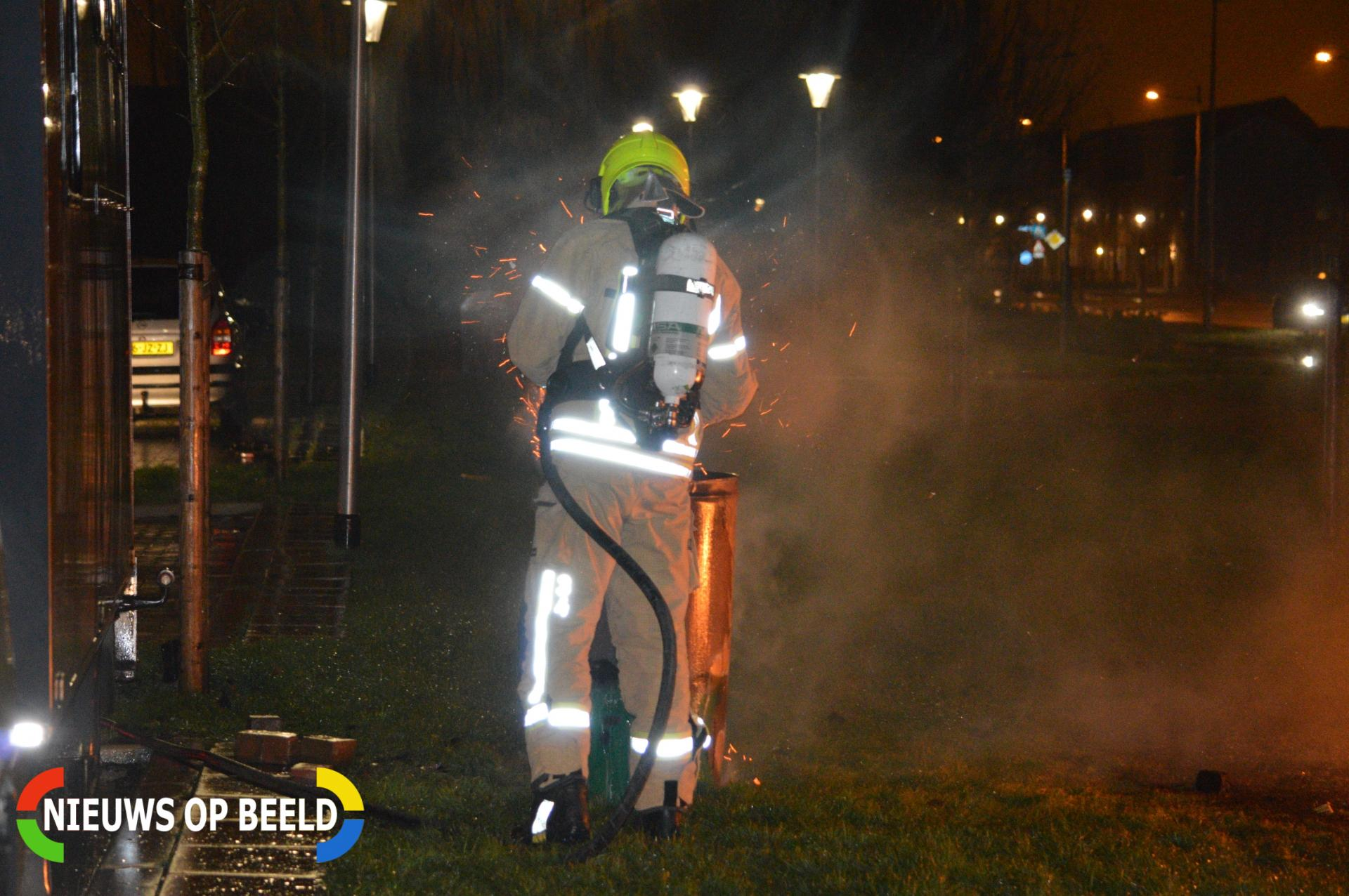 Brandweer blust buitenbrand Oostmeerlaan Berkel en Rodenrijs