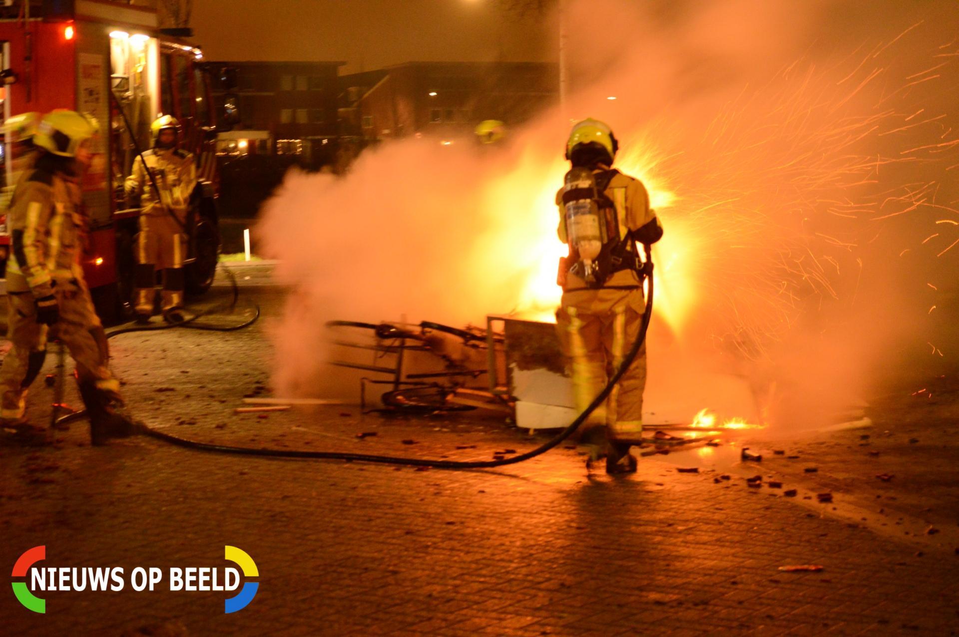 Brandweer blust buitenbrand Veluwemeer Zoetermeer