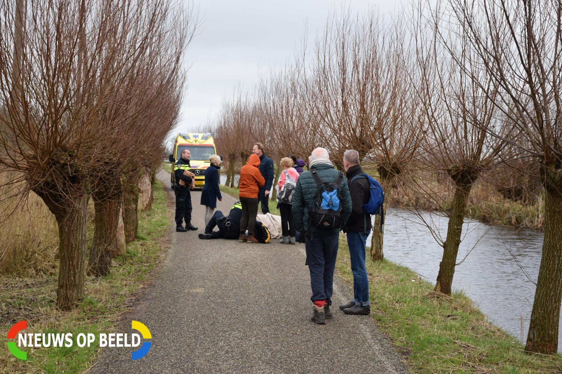 Fietser loopt hoofdwond op bij botsing met voetganger Lecksdijk Reeuwijk